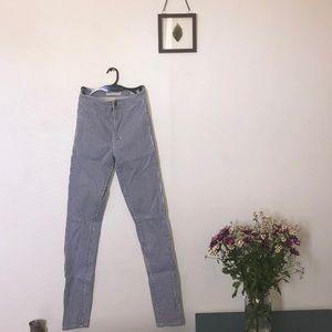 Skinny high waisted jeans!